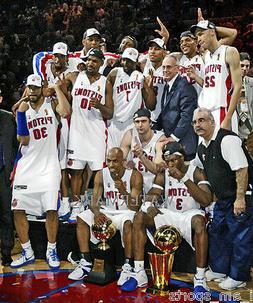 2004 DETROIT PISTONS NBA CHAMPIONSHIP TEAM 8X10 PHOTO  BILLU